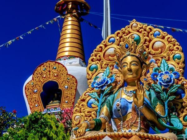 casa rural huesca templo budista panillo